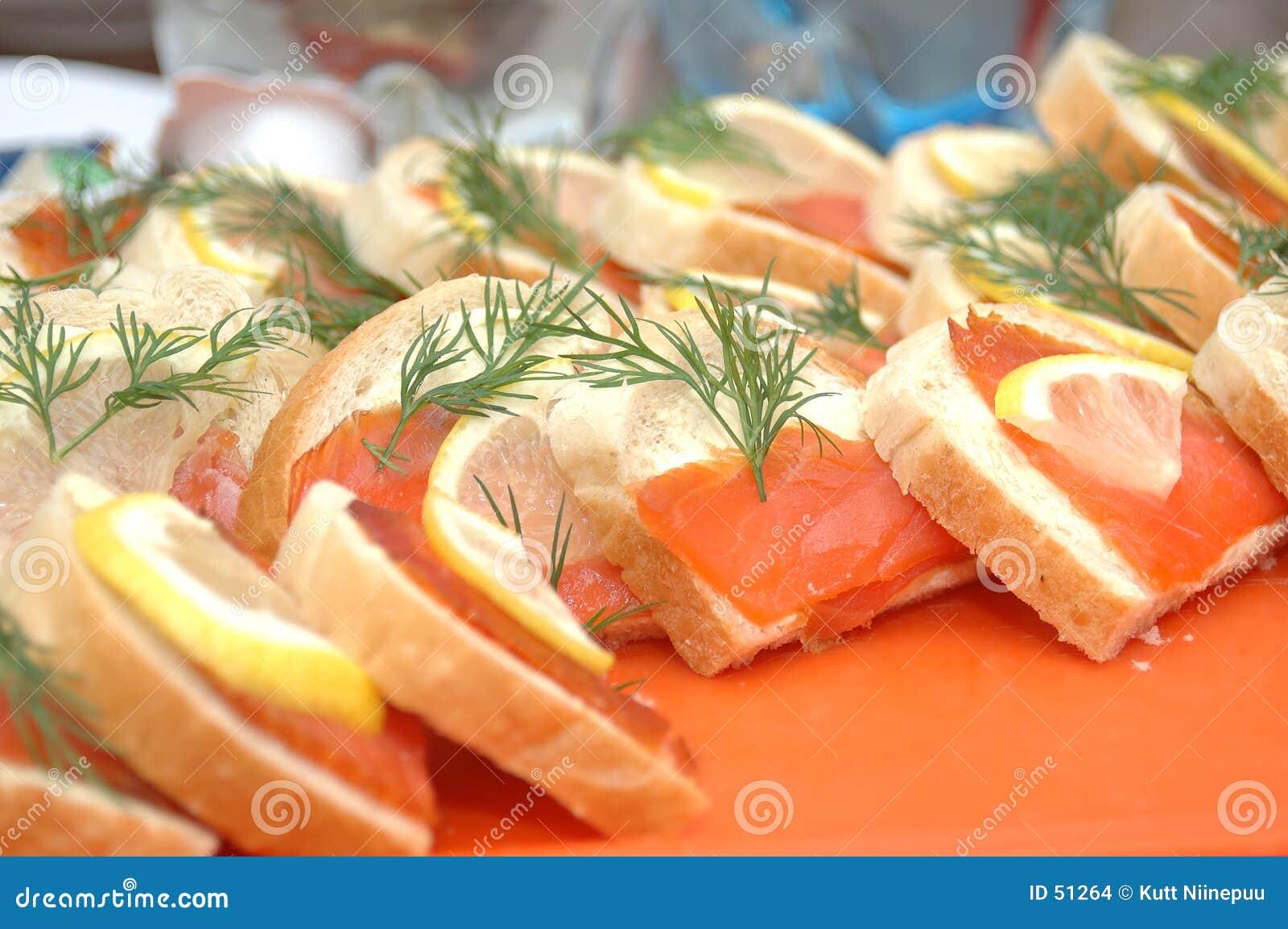 Fatias Salmon do pão