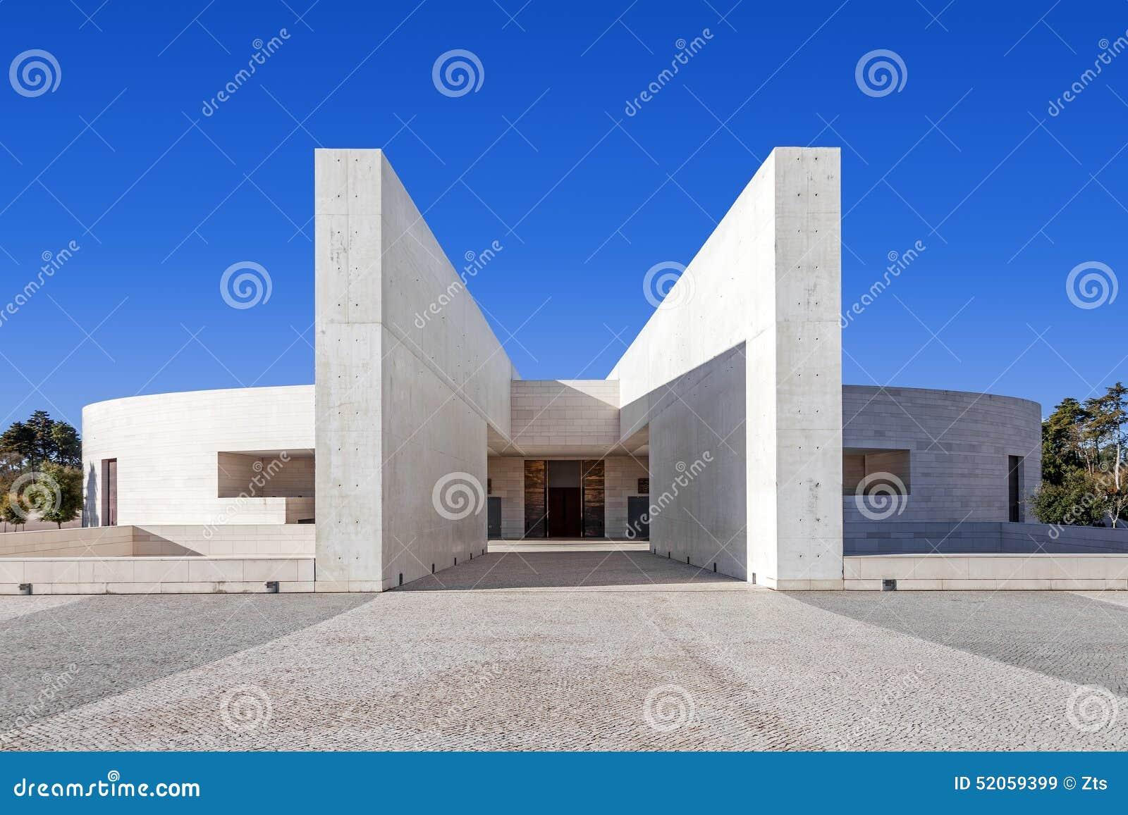 Fatima portugal fristad Ingång av den mindre basilikan av mest helig Treenighet