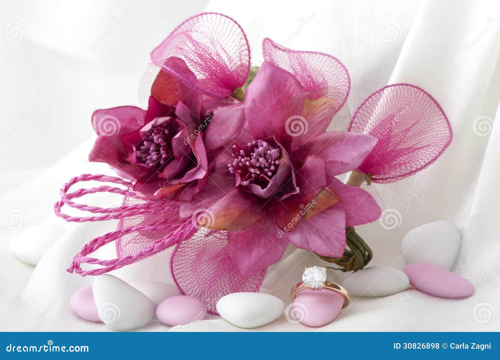 Favori e fede nuziale di nozze