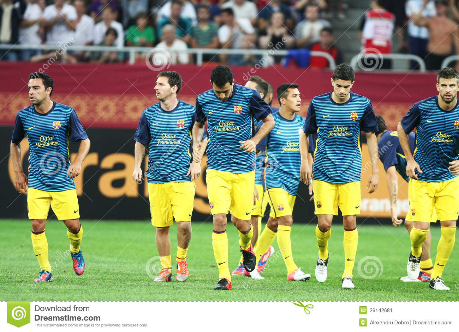 Fc Barcelona Football Team Editorial Photo Image Of Dinamo 26142681