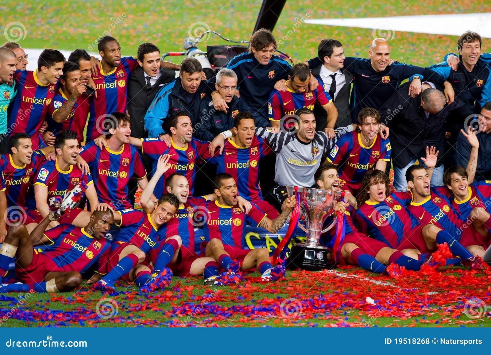 FC Barcelona players celebrating the League