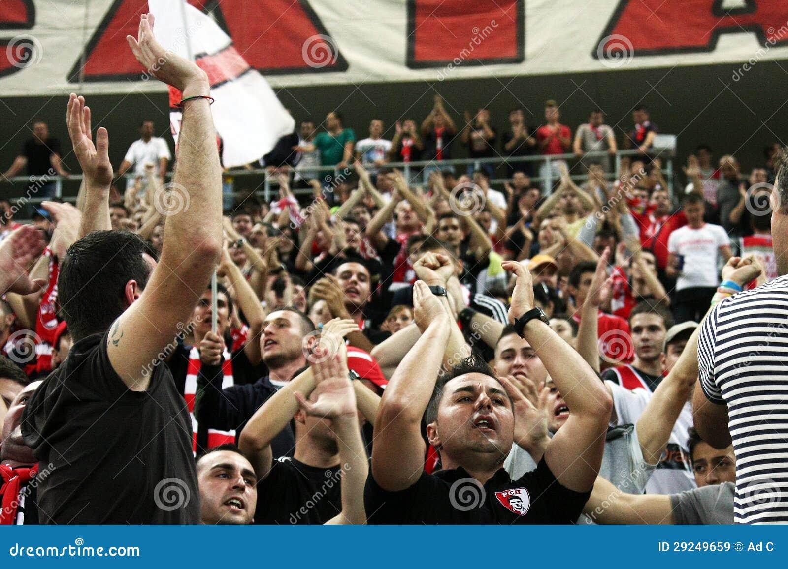 Download FC Dinamo Bucareste - FC Pandurii Targu-Jiu Imagem de Stock Editorial - Imagem de bandeira, liga: 29249659