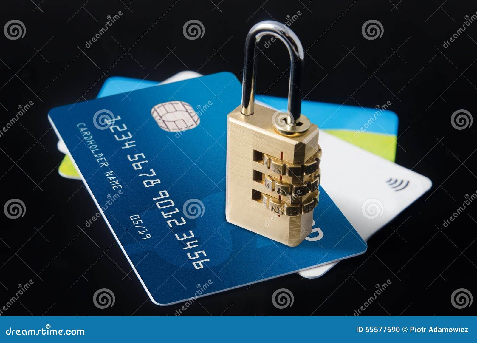Fechamento da segurança em cartões de crédito vazio múltiplos
