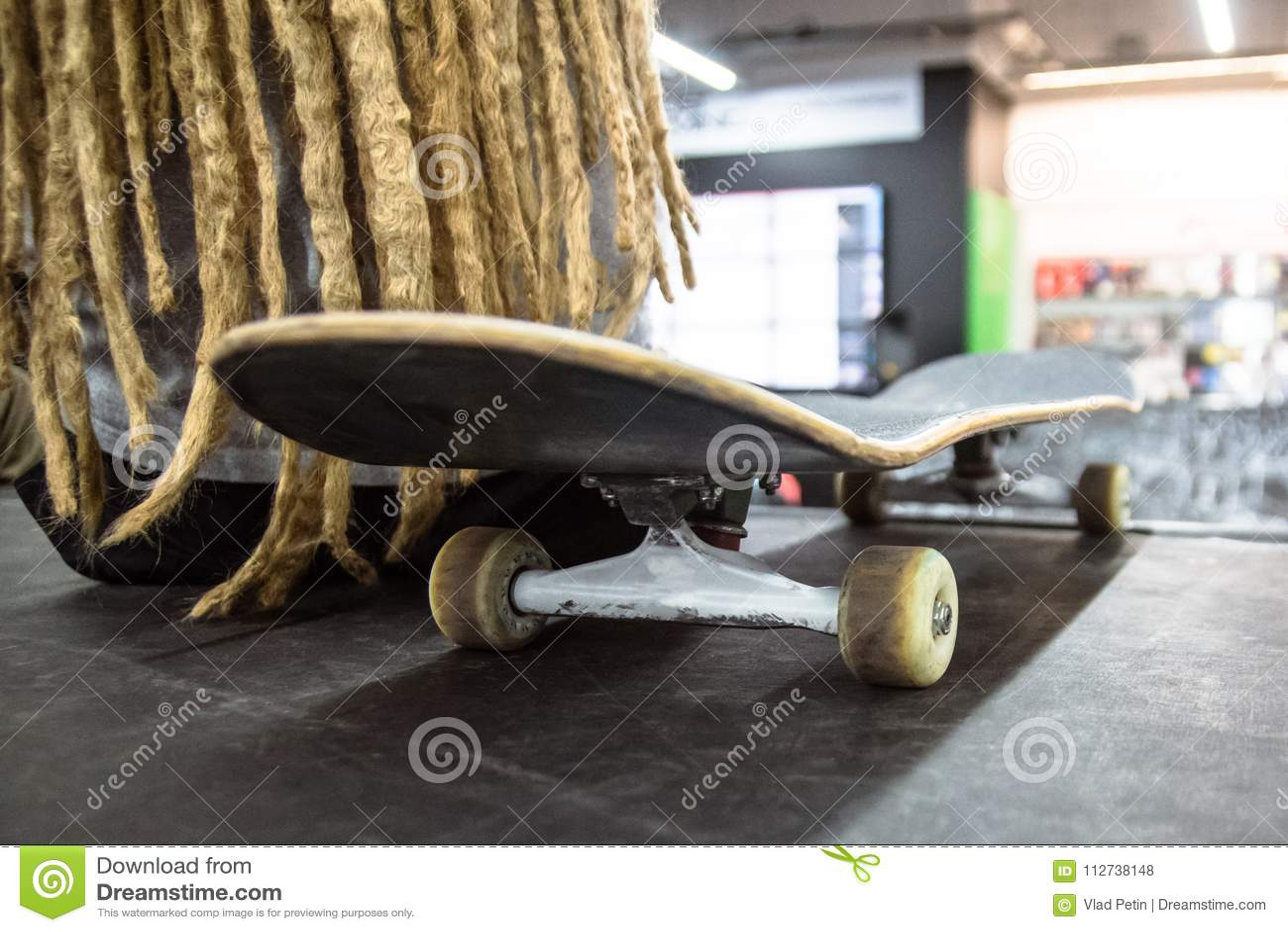 Feche Acima Das Peças Do Skate Foto de Stock - Imagem de atividade ... 43ca03151df