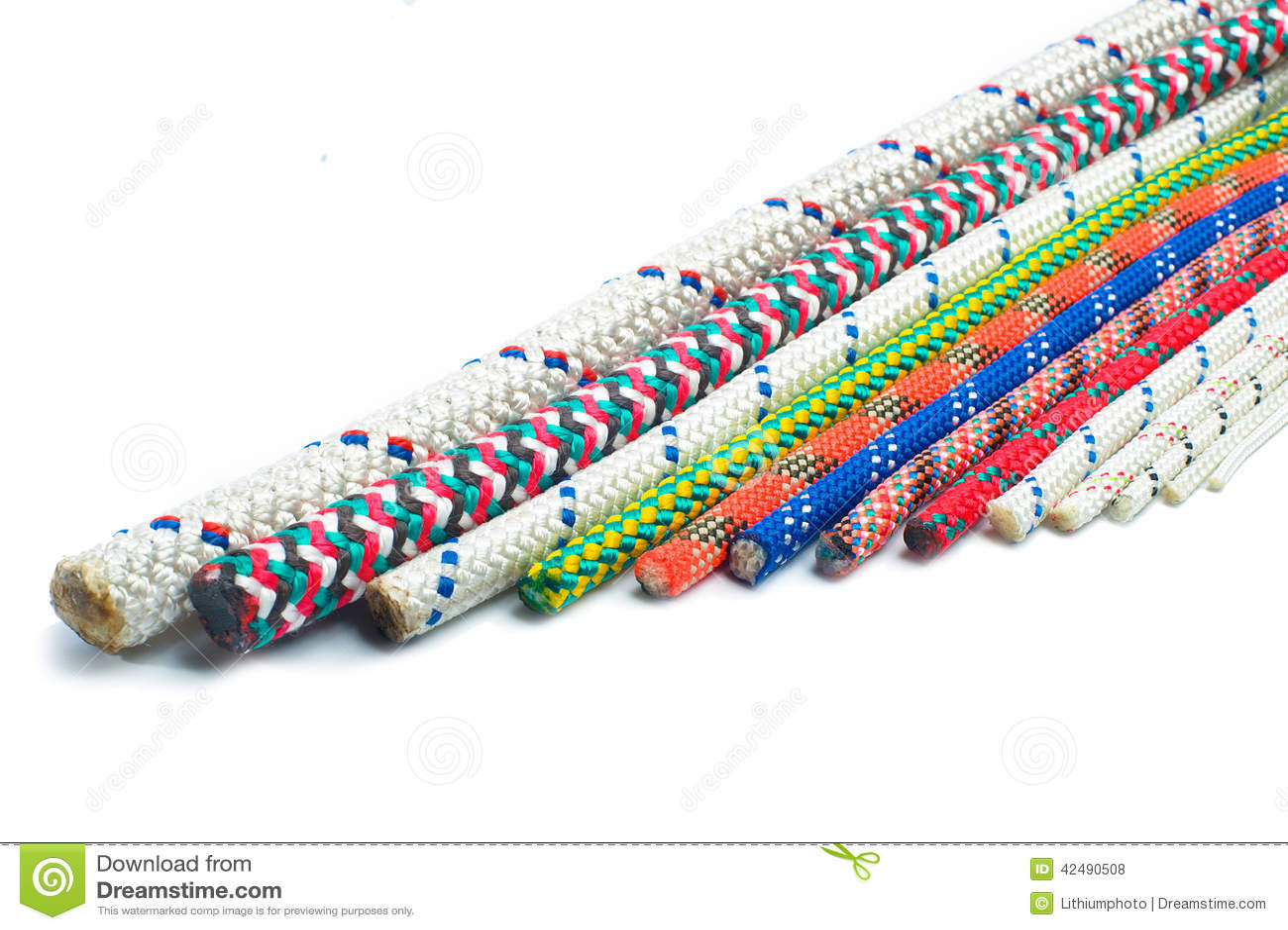 Feche acima dos tipos diferentes de cordas e de cabos foto - Tipos de cuerdas ...