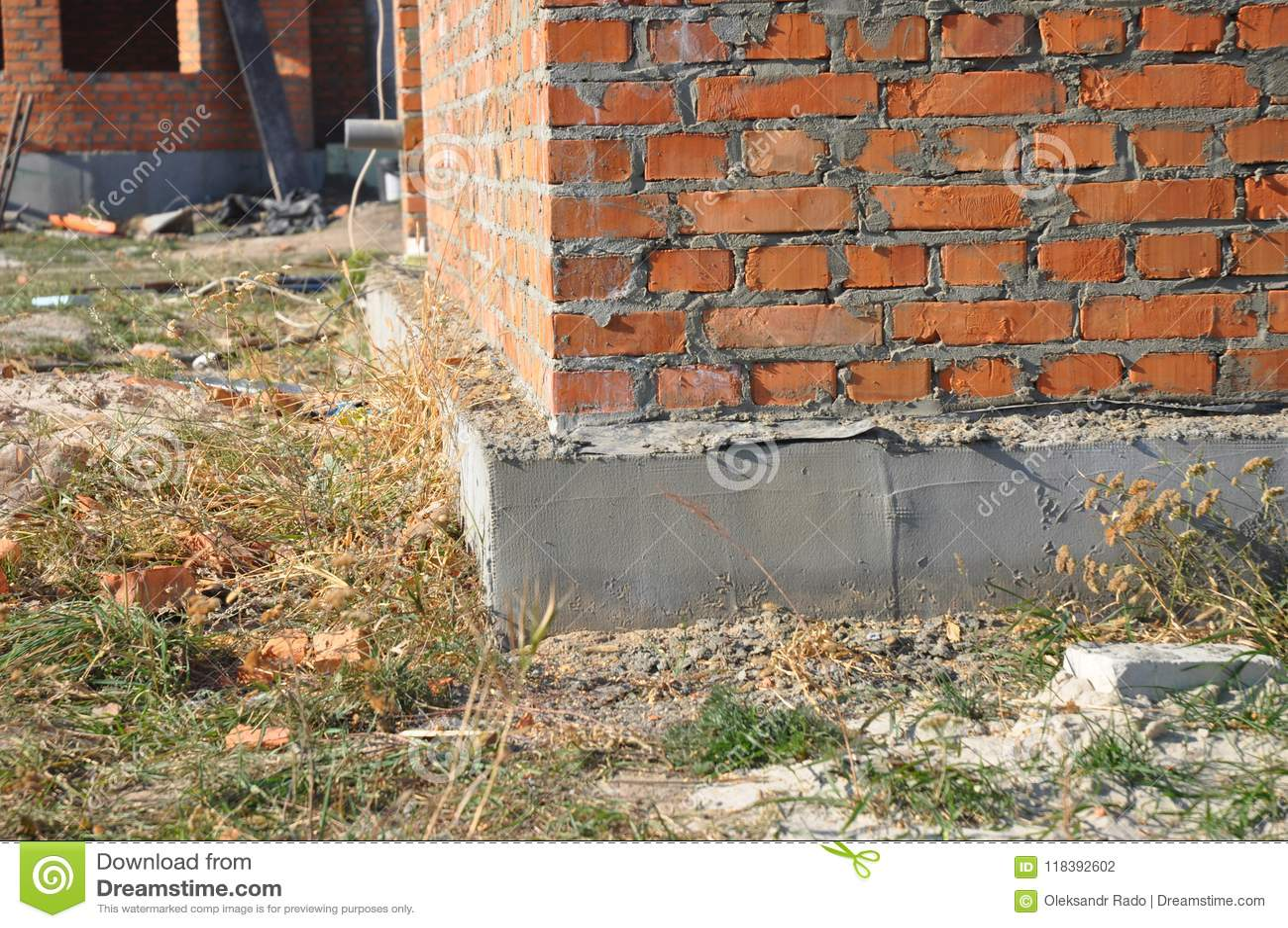 Feche Acima Na Isolacao Da Fundacao Da Casa Do Tijolo Com Emplastro Foto De Stock Imagem De Feche Fundacao 118392602