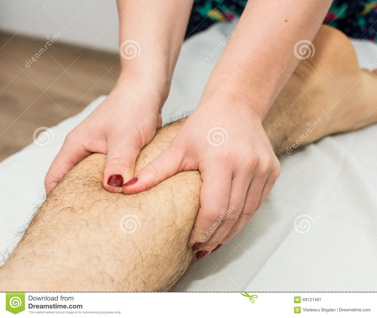 how to give a woman a foot massage