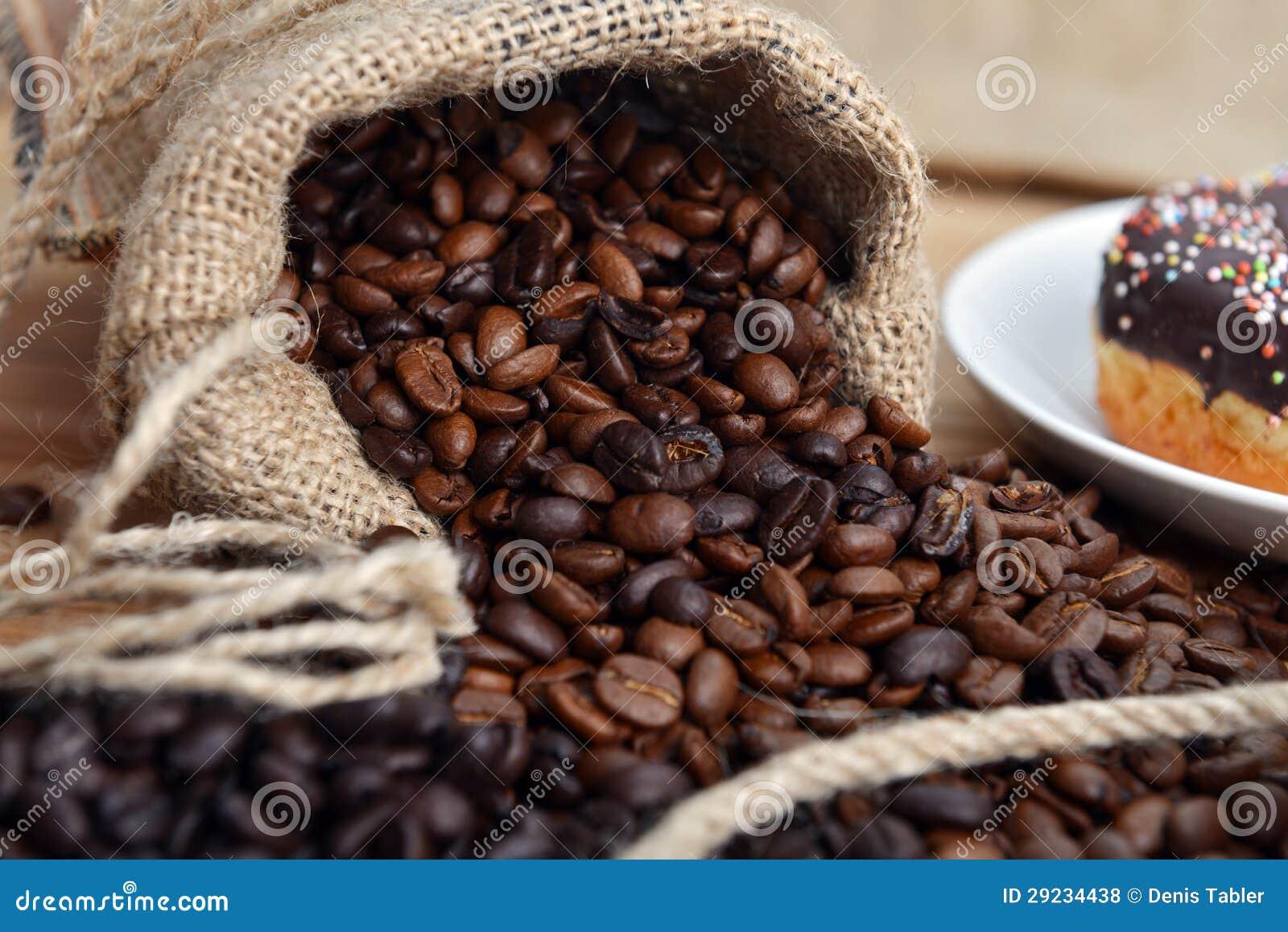 Download Feijões de café foto de stock. Imagem de hessian, grões - 29234438