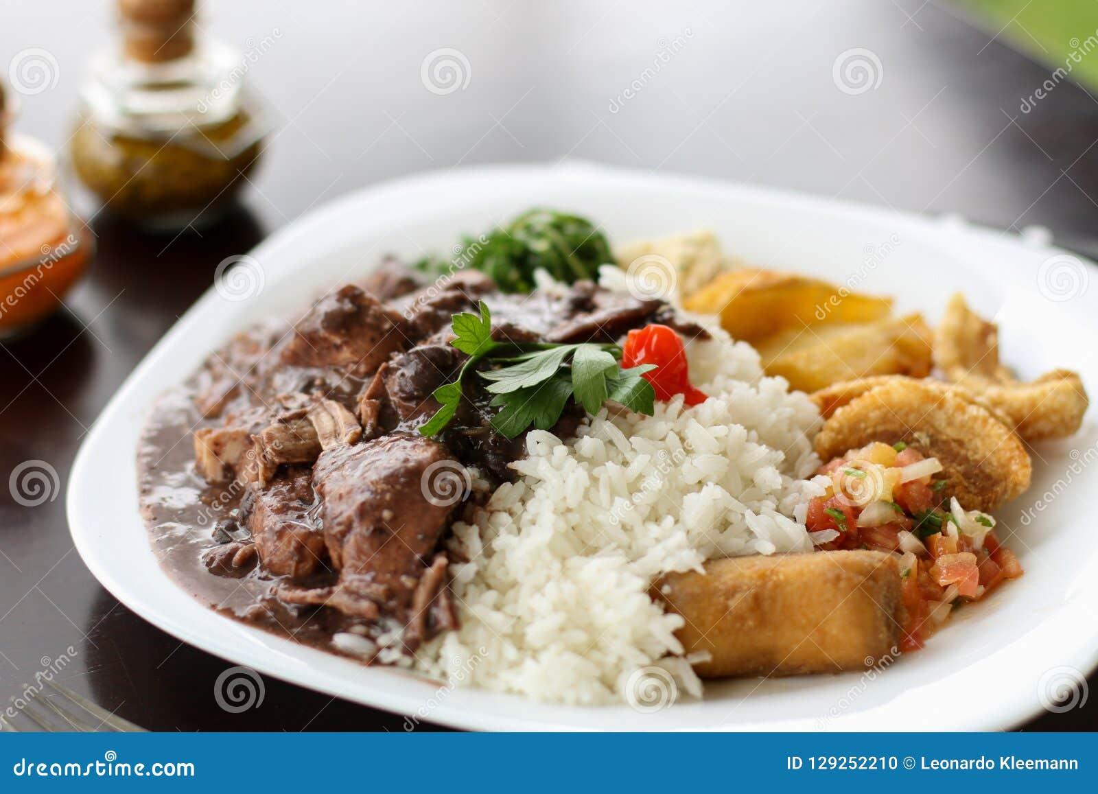 Feijoada, la tradition brésilienne de cuisine