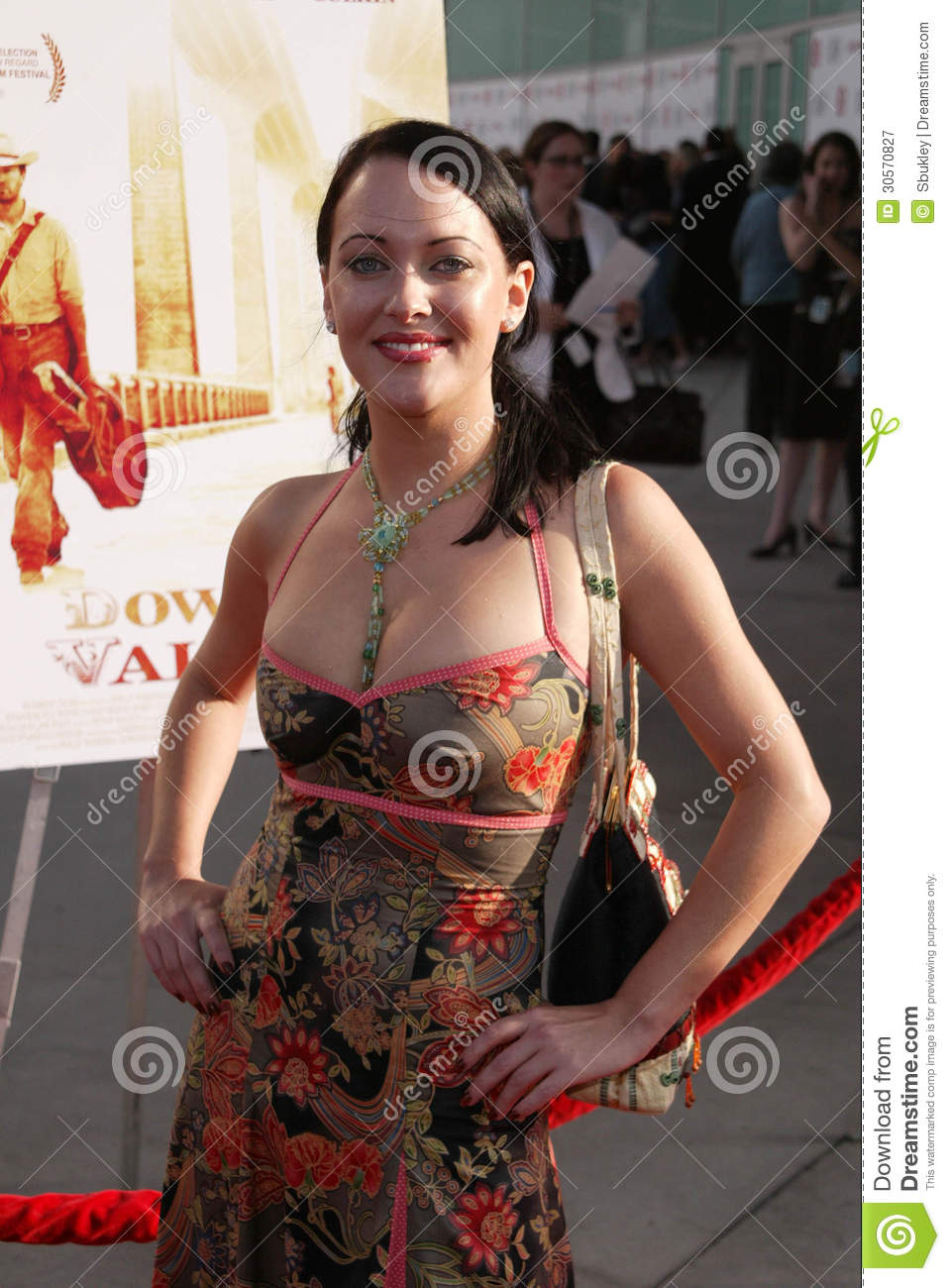 Phyllis Hill,Andrea Anders Hot videos Sosie Bacon,Liu Xiaoqing