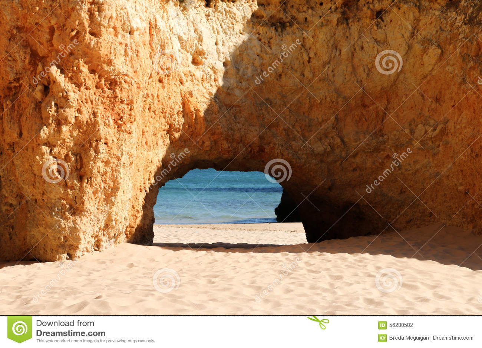 Felsen auf Alvors-Strand