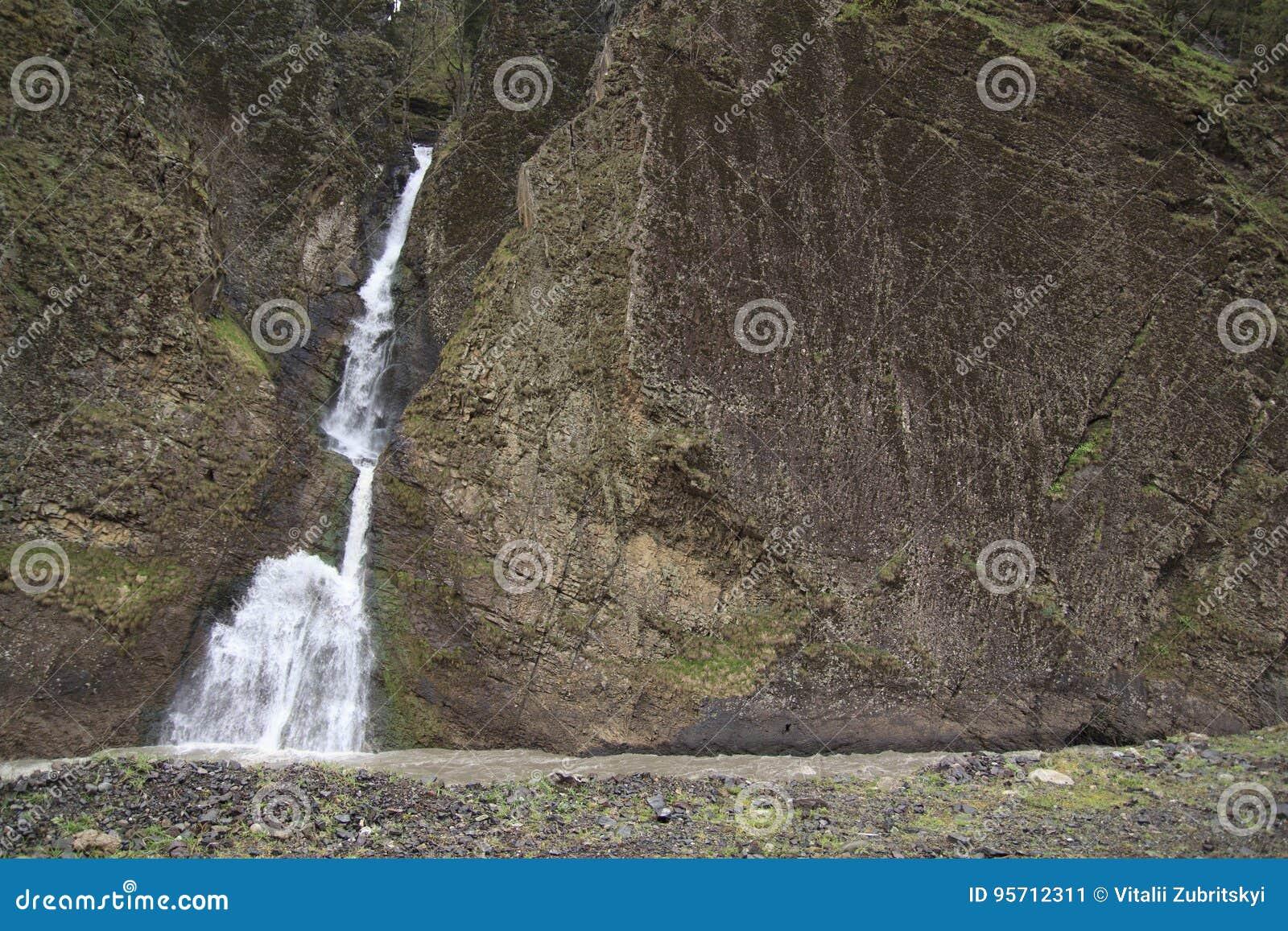 Felsen Wand Und Wasserfall Stockbild Bild Von Fluss Strom