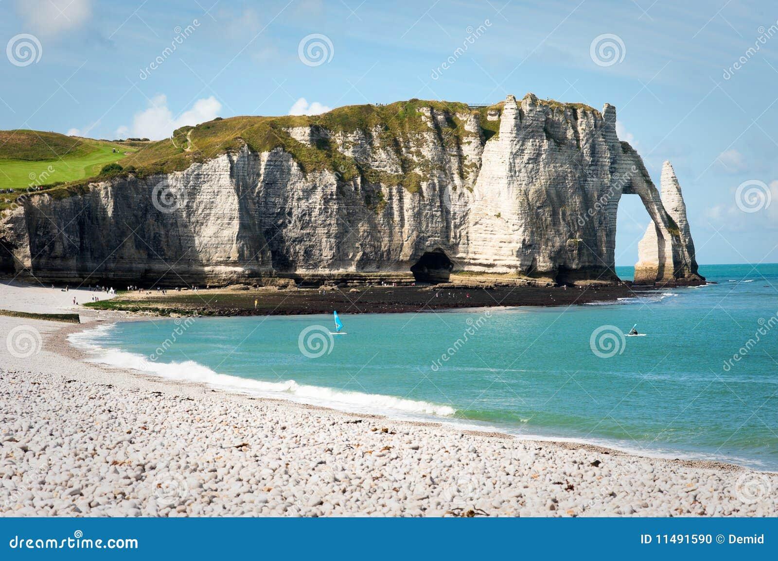 Felsiger Strand in Normandie, Frankreich