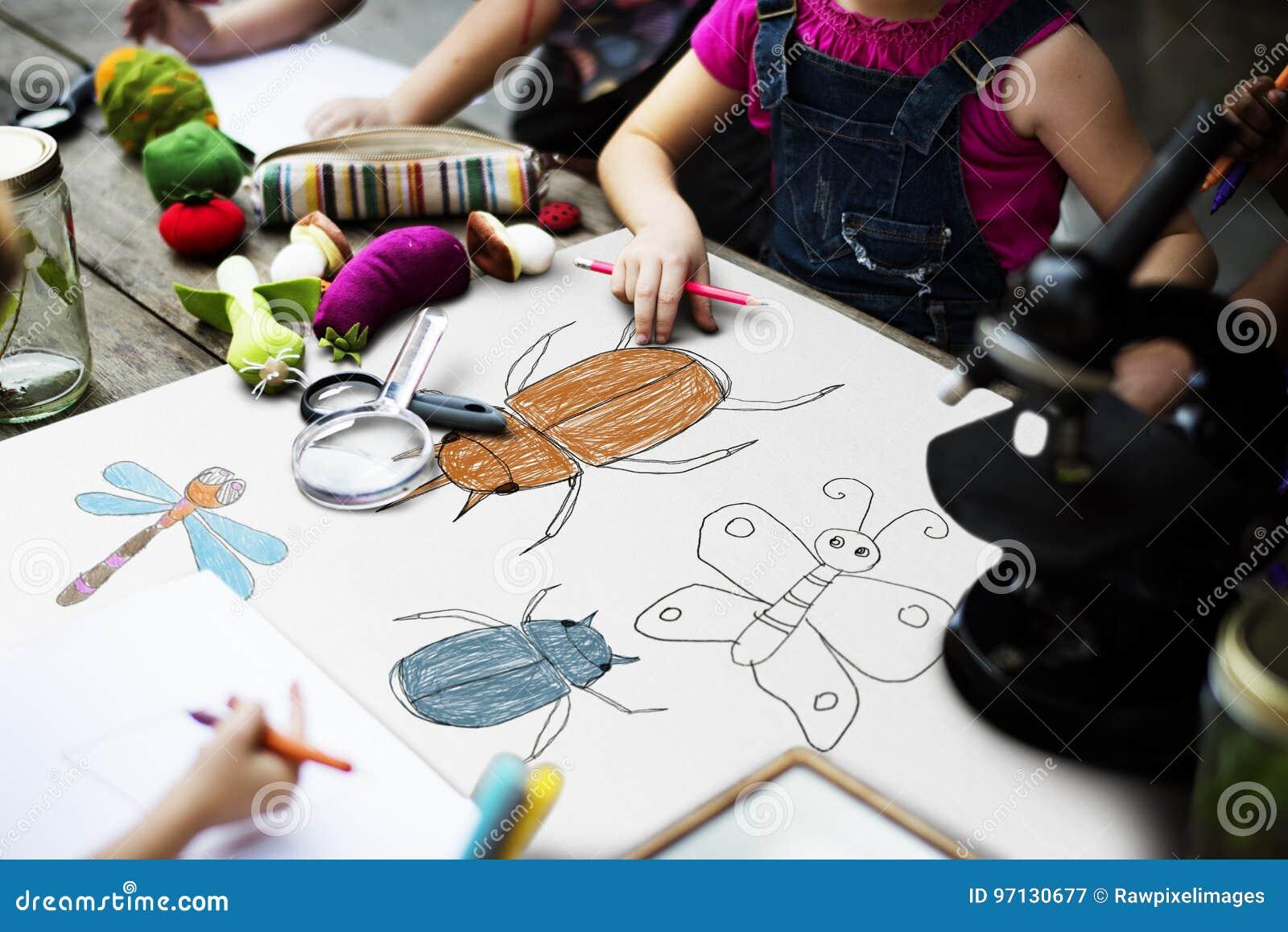 Disegno Di Un Bambino : Feltro pen table del cartello del disegno del bambino immagine stock