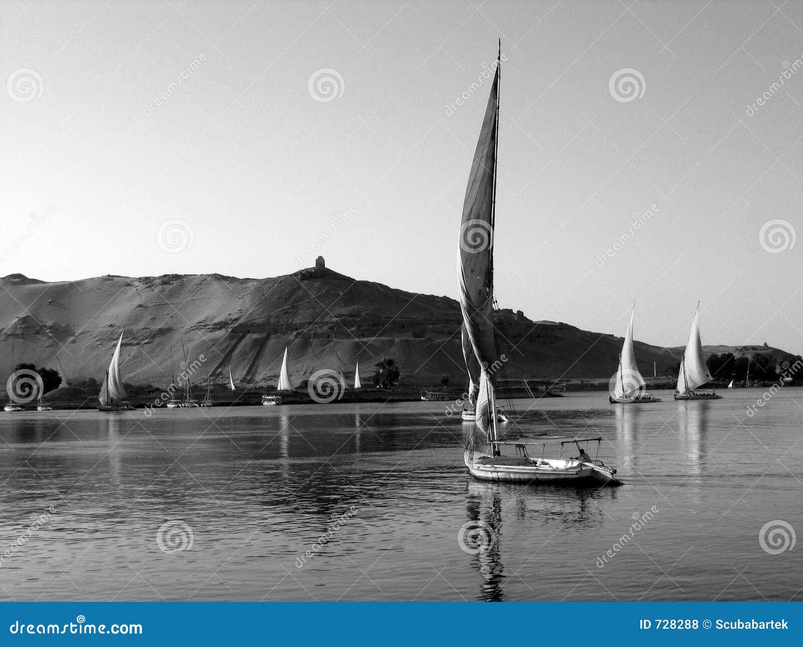 Felukahs sur le Nil dans B/W