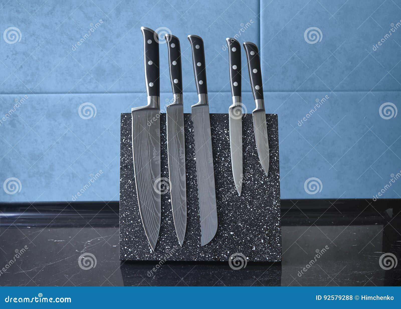 Fem av uppsättningen för kniv för damascus stål