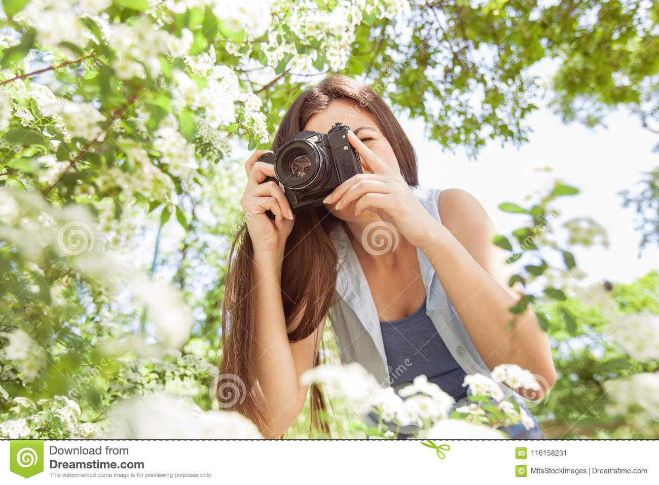 Women being photograghed by a amature
