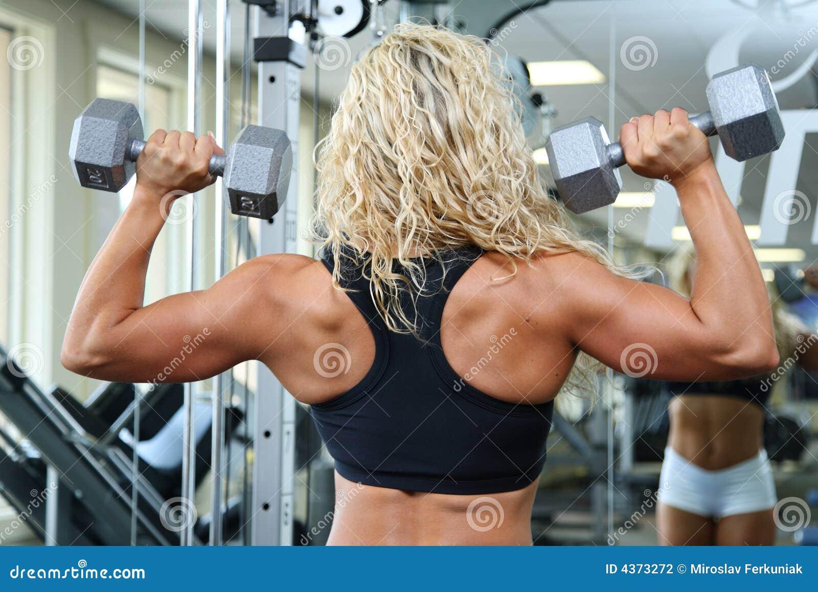 female bodybuilder thumbs