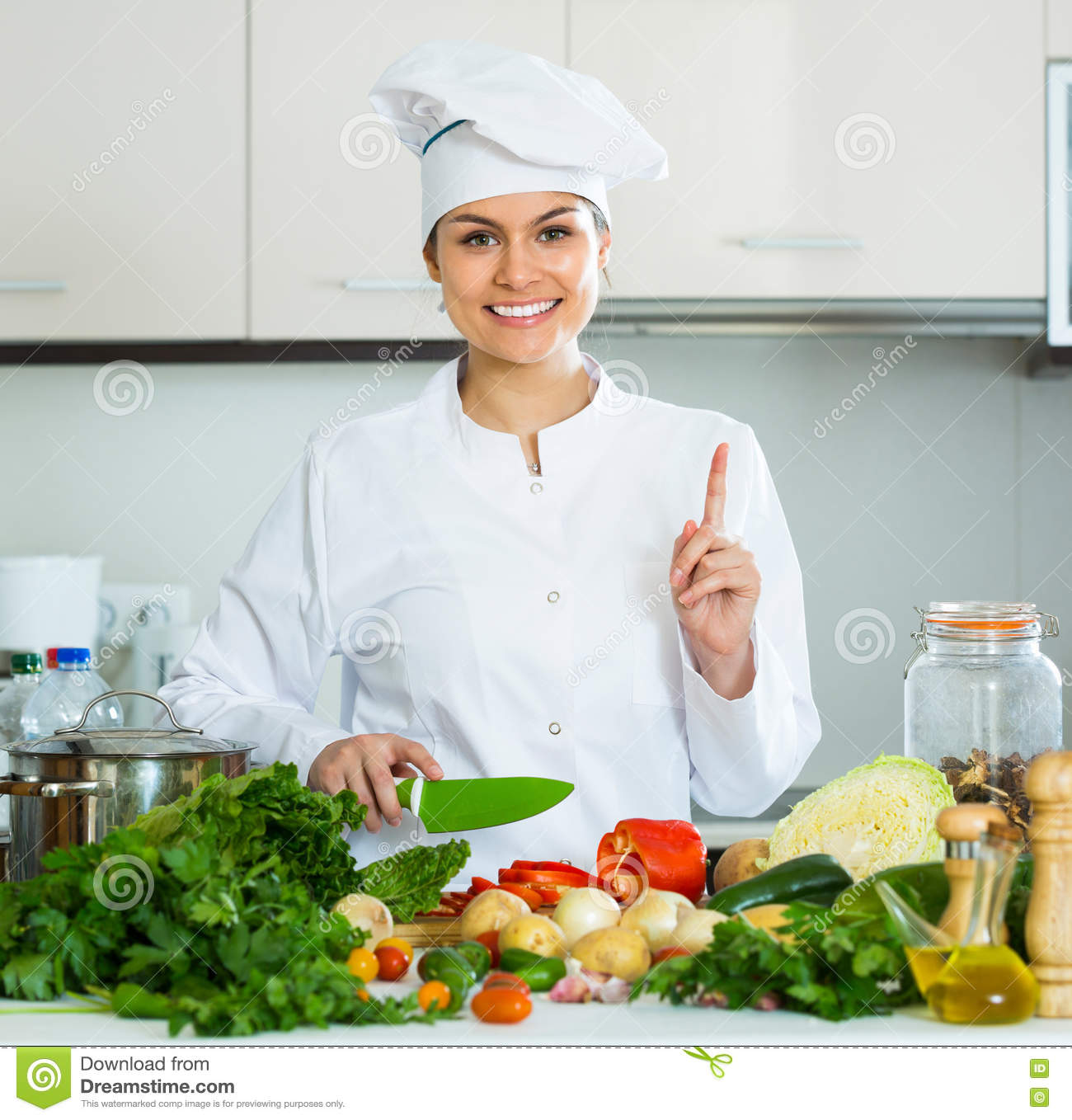 preparing home cook meal Recipes and instructions for home prepared cooked and raw food for cats and dogs, how to make complete,  raw or lightly cooked meal replacement bones.