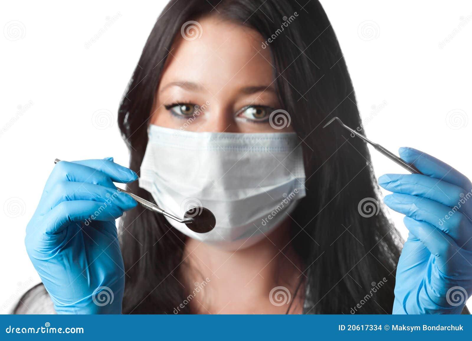 Фото девушек в повязках на рот