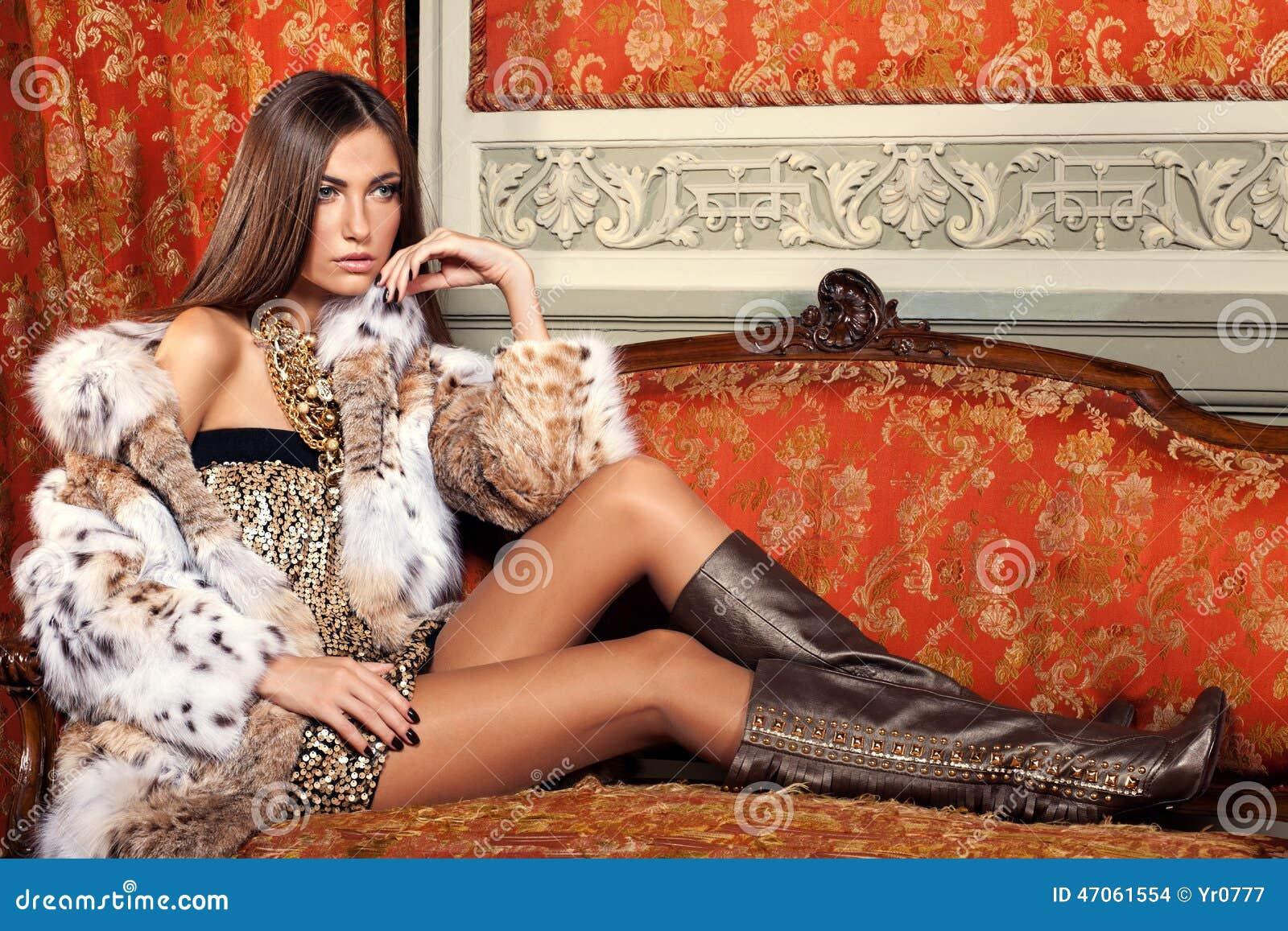 Фото девушек моделей в шубах