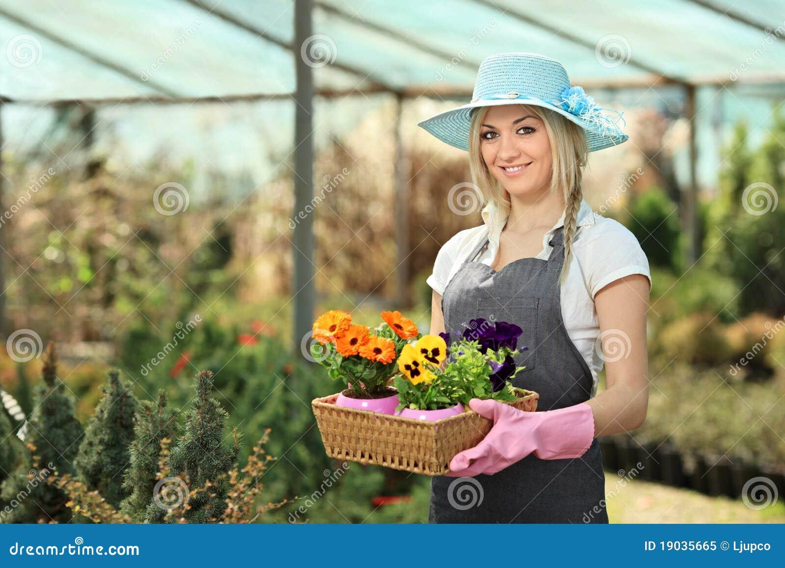 Садовник и блондинка 13 фотография