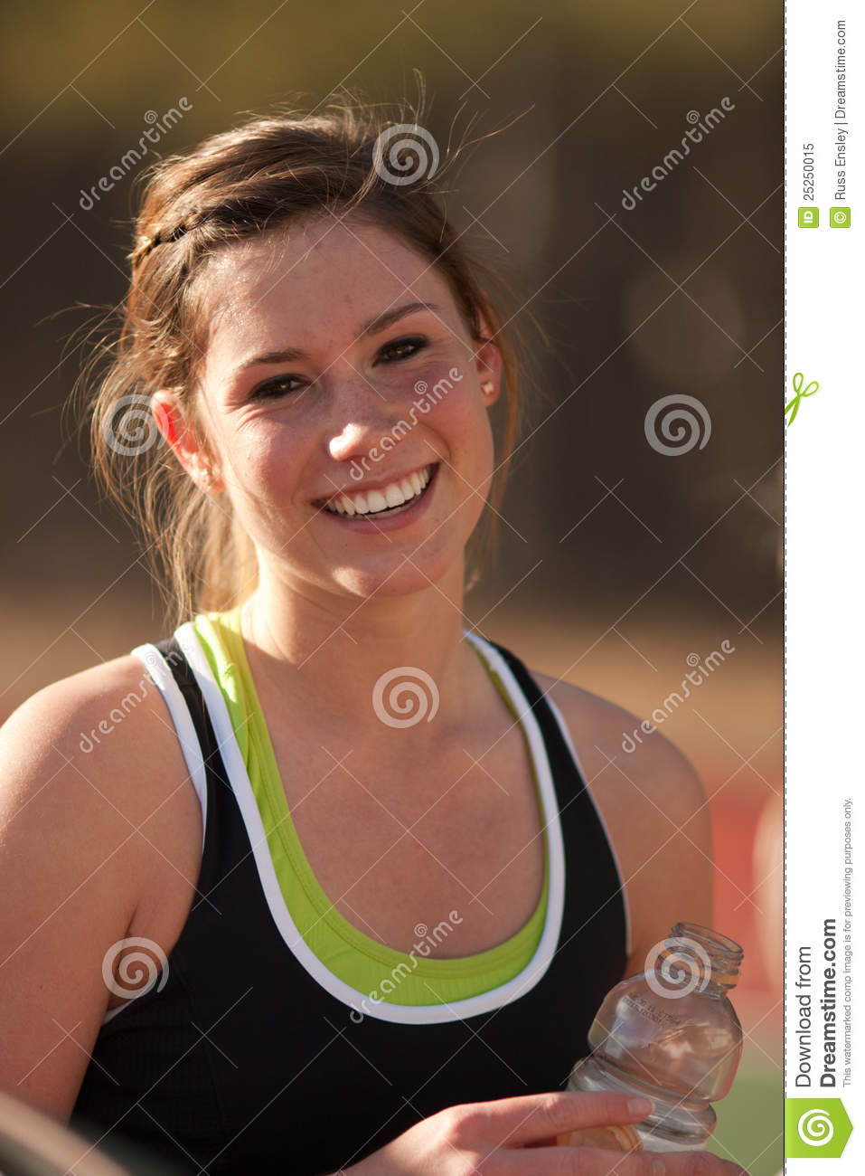 dating a female college athlete Female athletes in the media: jessica shaller st john fisher college representation of the female athlete (knight &.