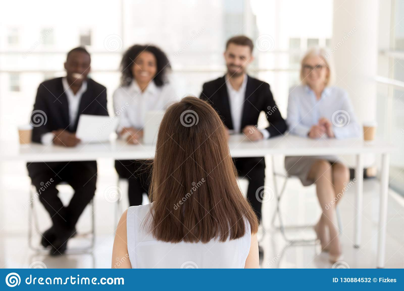 Female job candidate make good first impression on HR managers