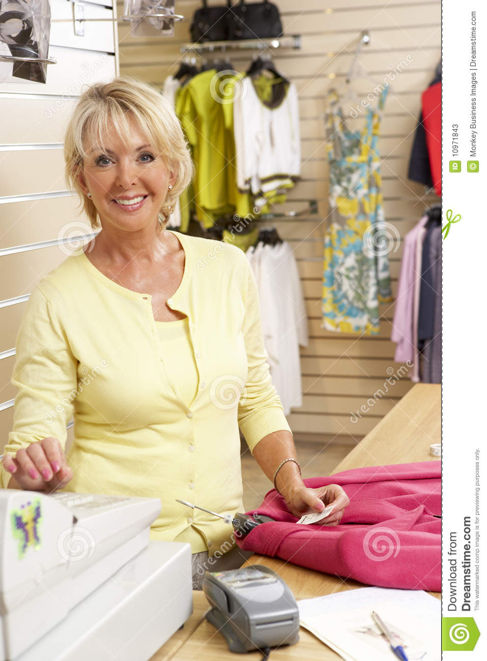 Clothing stores online Clearance stores online clothing