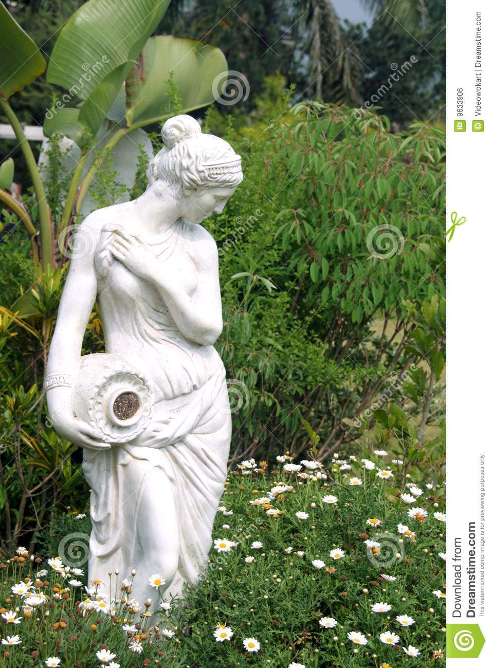 Female Sculpture In A Garden Royalty Free Stock Image Image 9633906