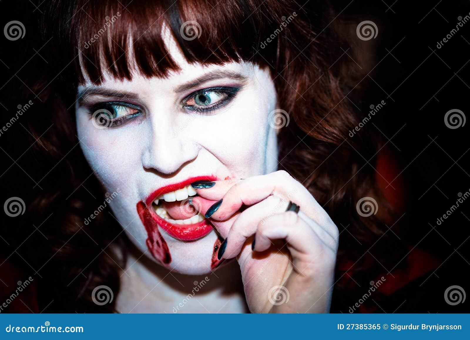 A Female Vampire Royalty Free Stock Photo Image 27385365