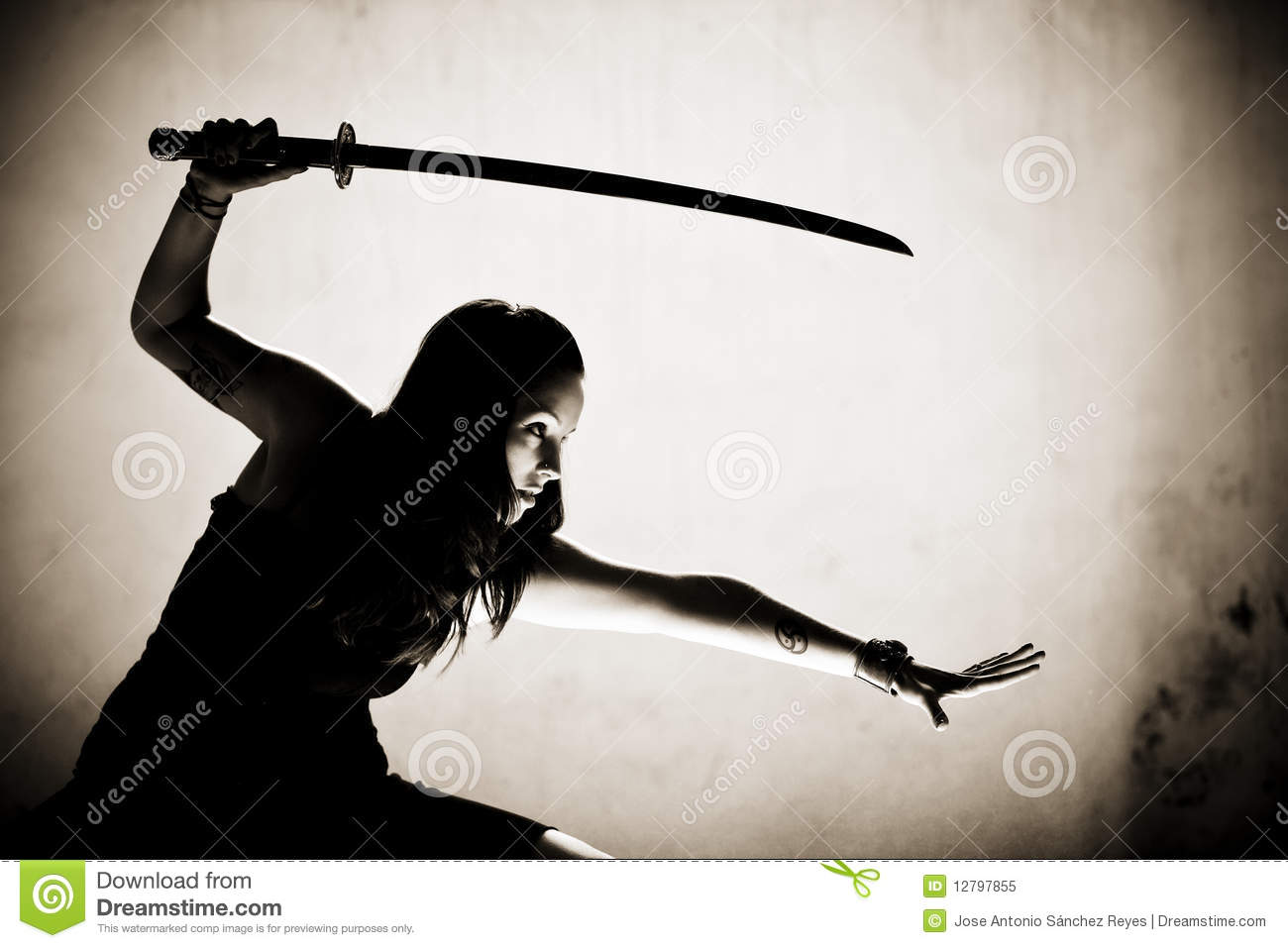 Female warrior executed anime pic