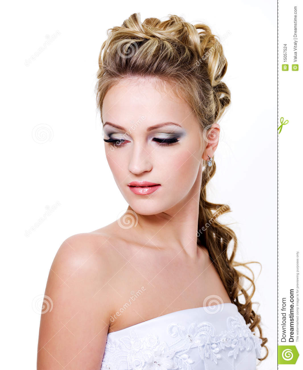 femme avec la belle coiffure de mariage photo stock image du visage studio 15057524. Black Bedroom Furniture Sets. Home Design Ideas