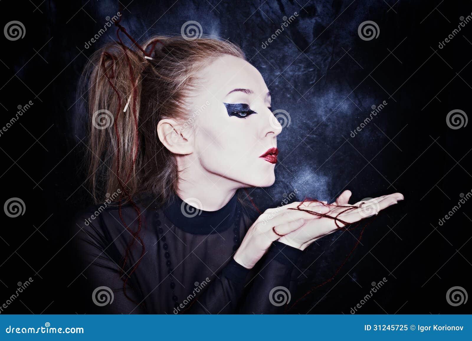 femme avec le maquillage gothique de style image stock image du charme bizarre 31245725. Black Bedroom Furniture Sets. Home Design Ideas
