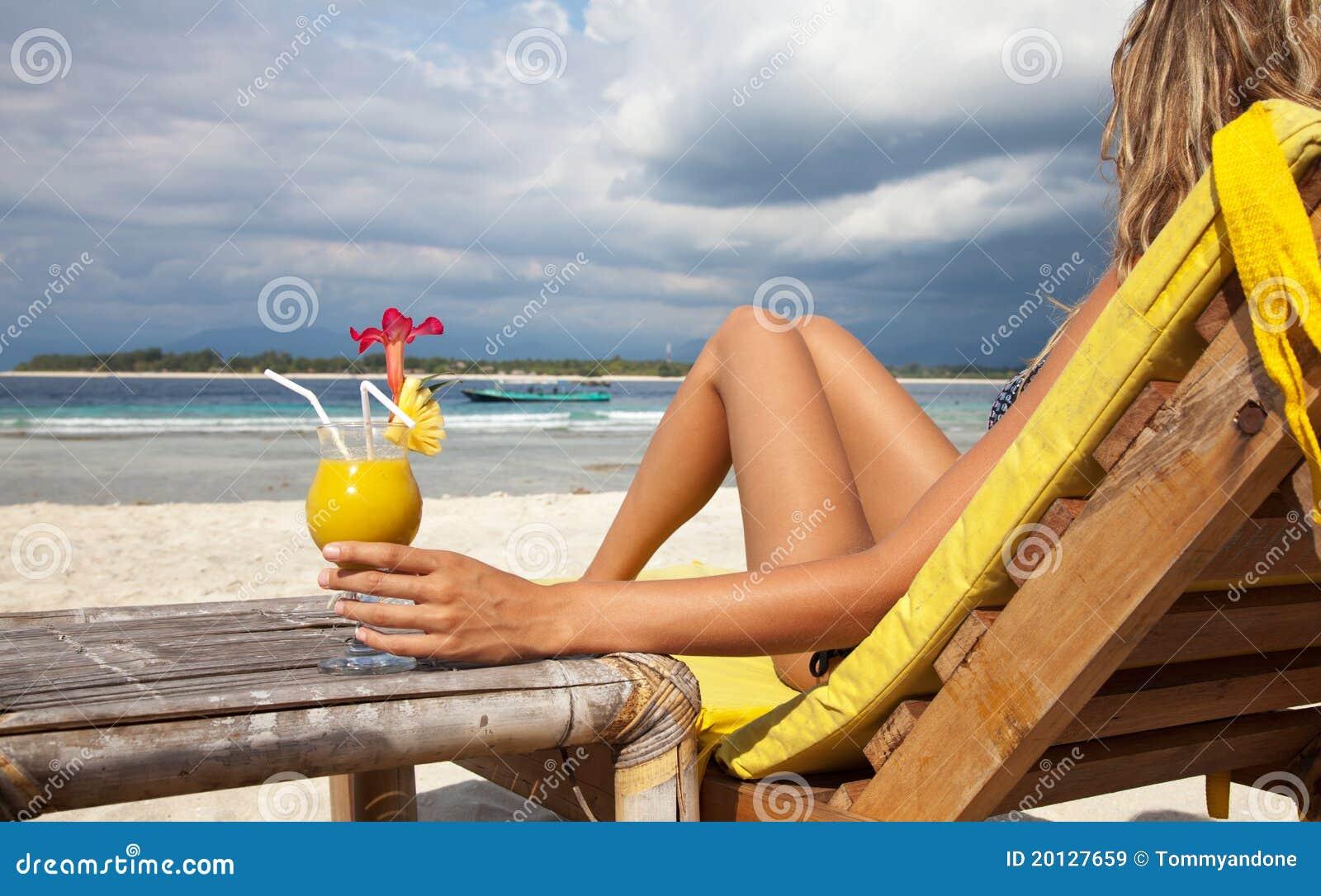 Cocktail de plage image stock Image du sunlight