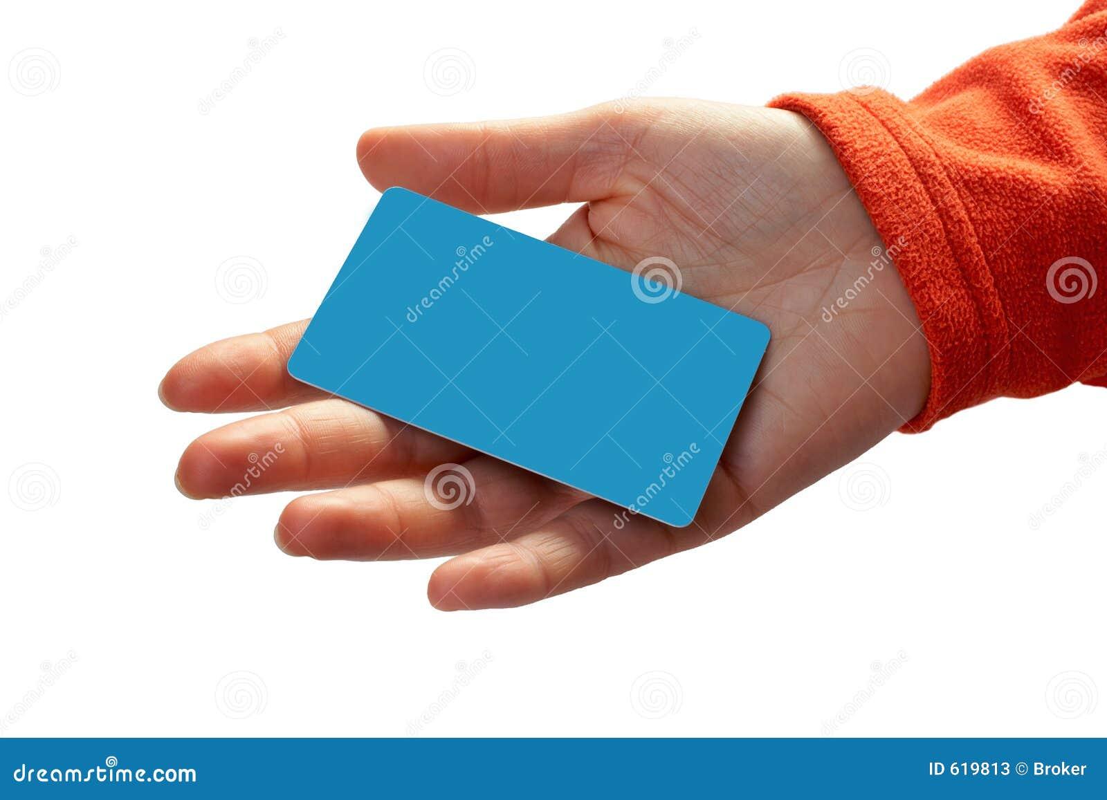 Femme avec un par la carte de crédit sur sa main