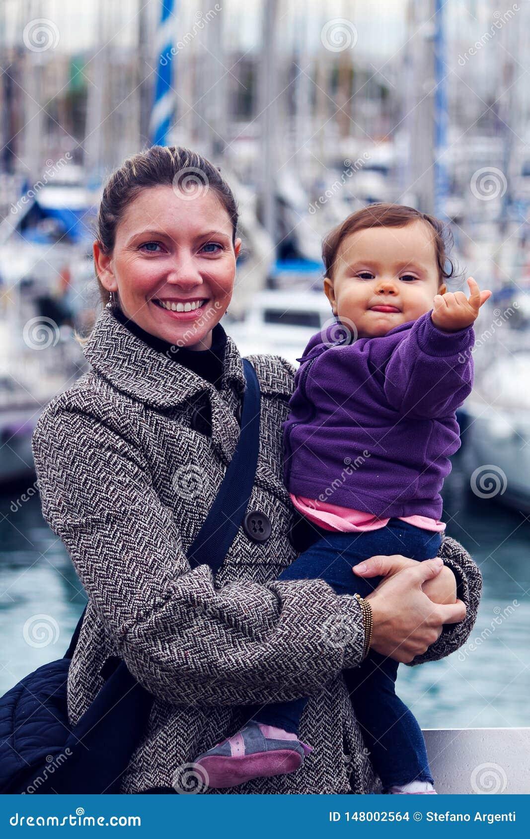 Femme avec une petite fille