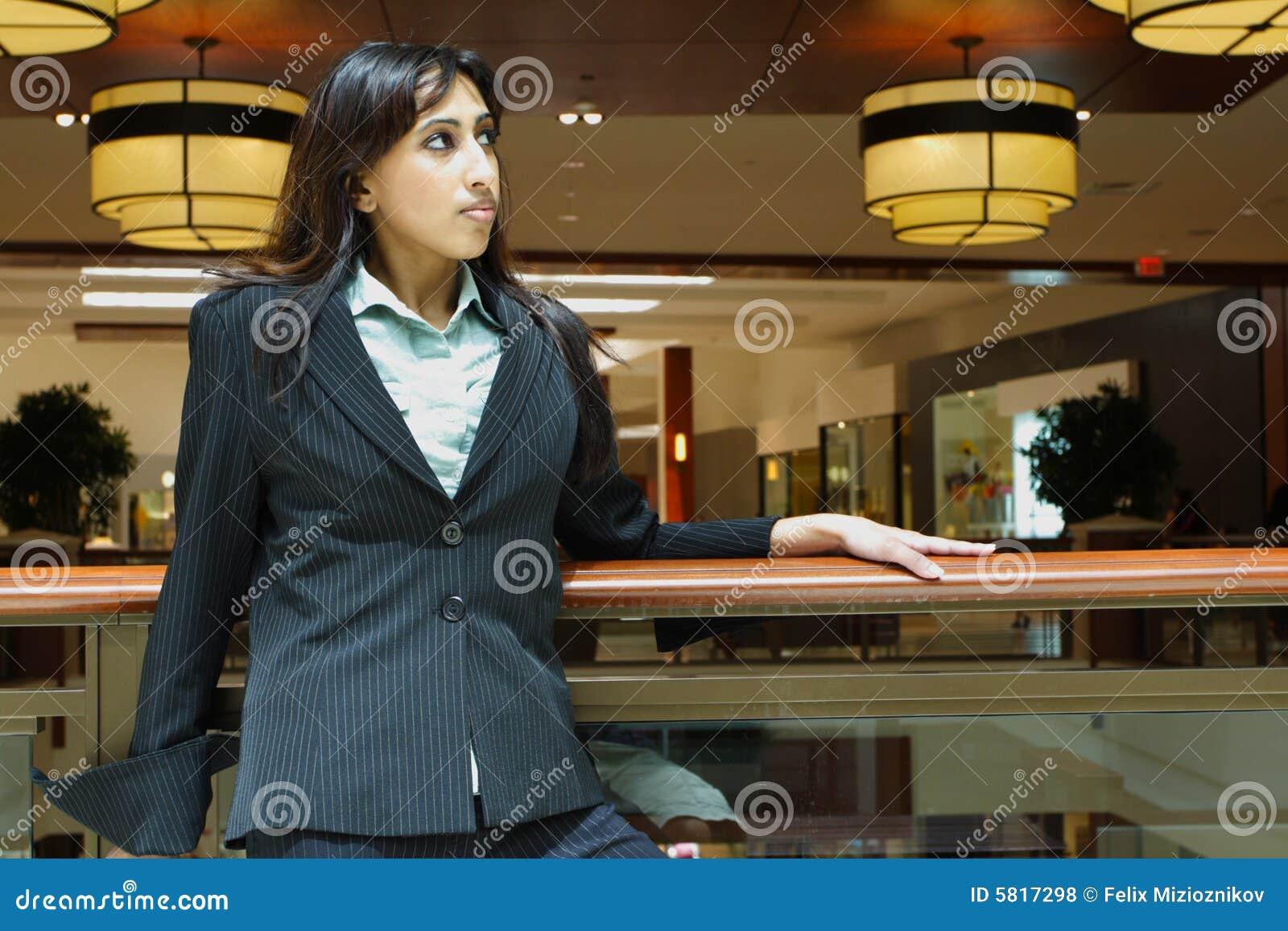 Femme d affaires dans un mail