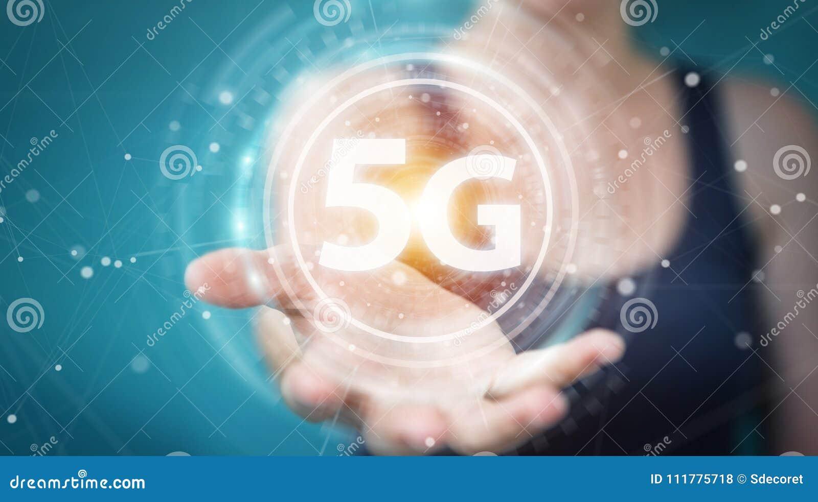 Femme d affaires employant 5G le rendu de l interface réseau 3D