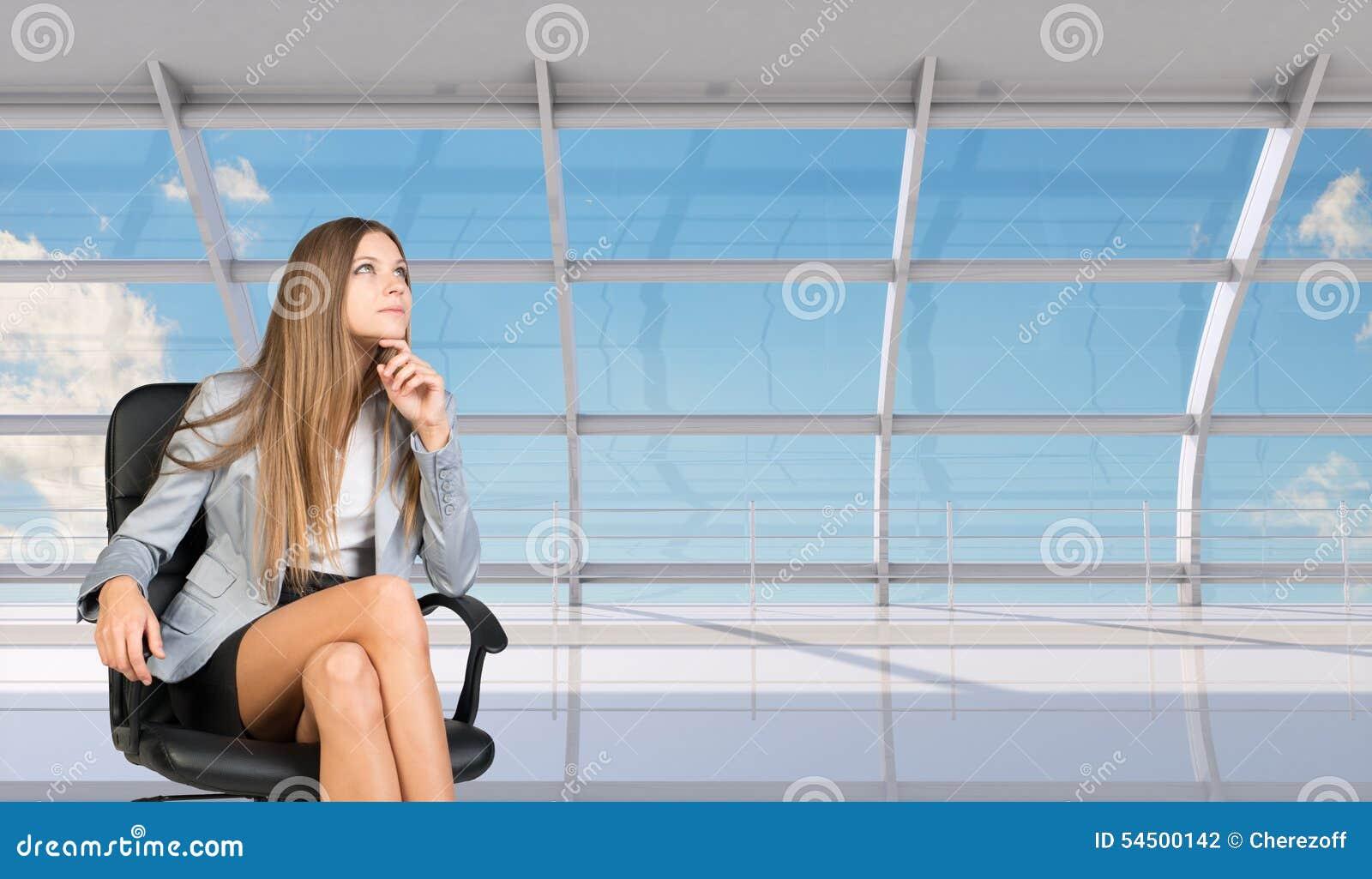 Femme d affaires pensante