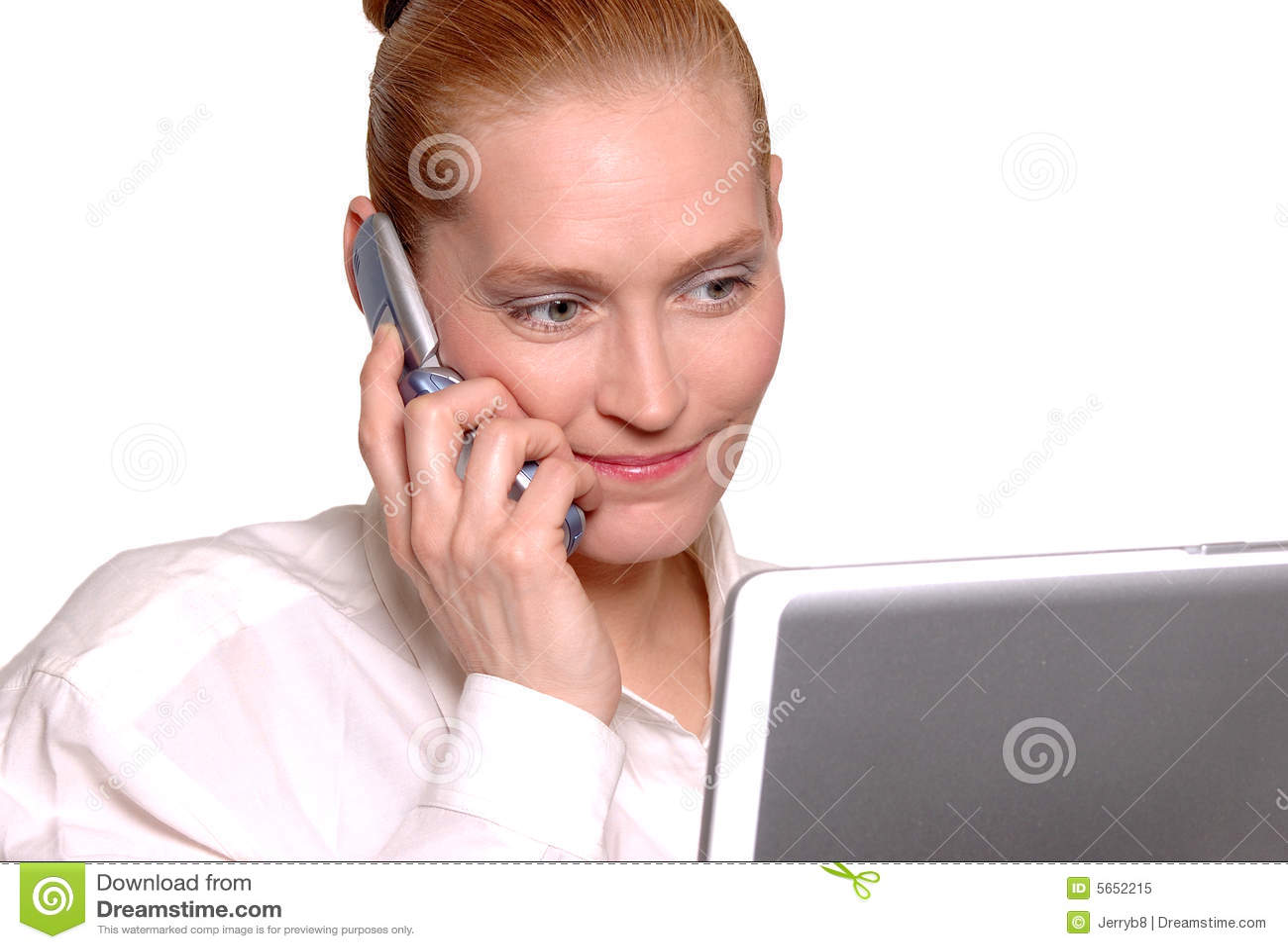 Femme d affaires sur le téléphone portable