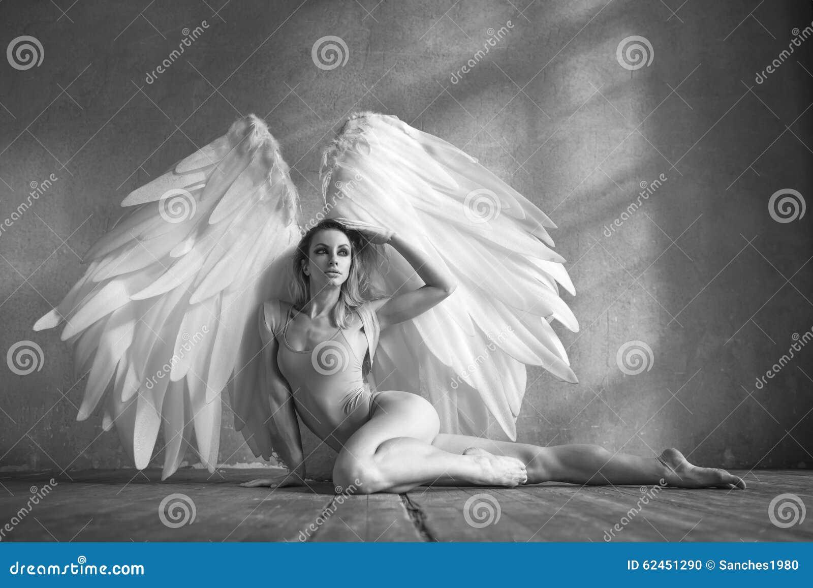 Ange Femme femme d'ange photo stock. image du déménager, frais, charme - 62451290