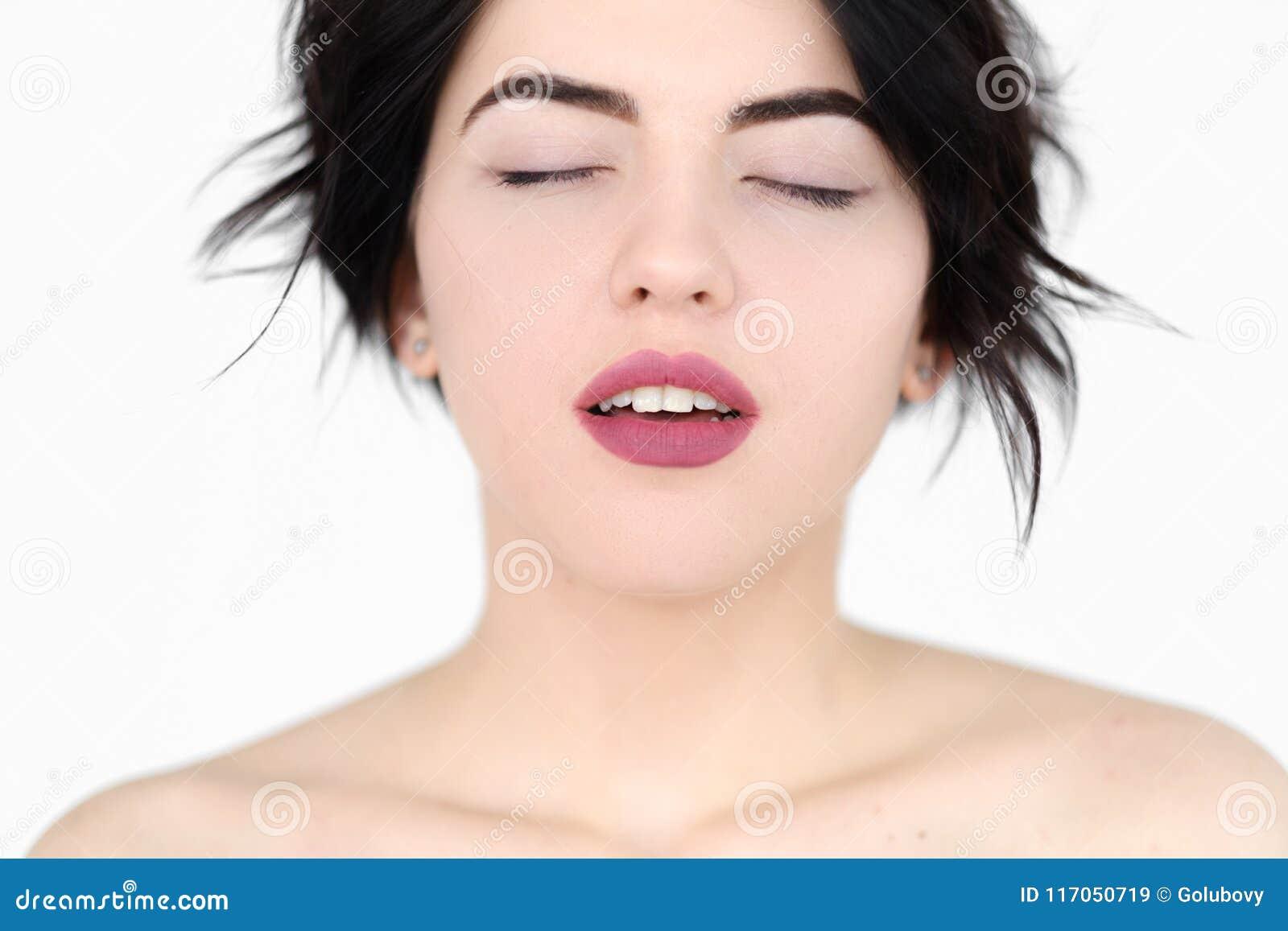 Femme d apogée de plesure de sexe d orgasme de visage d émotion