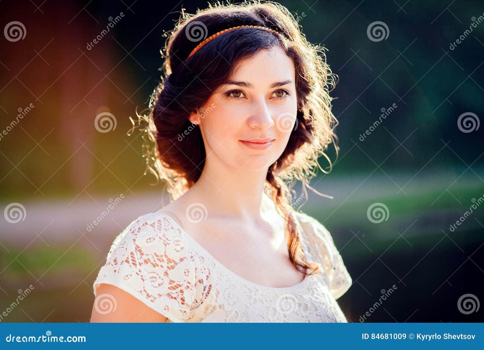 Femme Dans La Coiffure Grecque Image Stock Image Du Magnifique