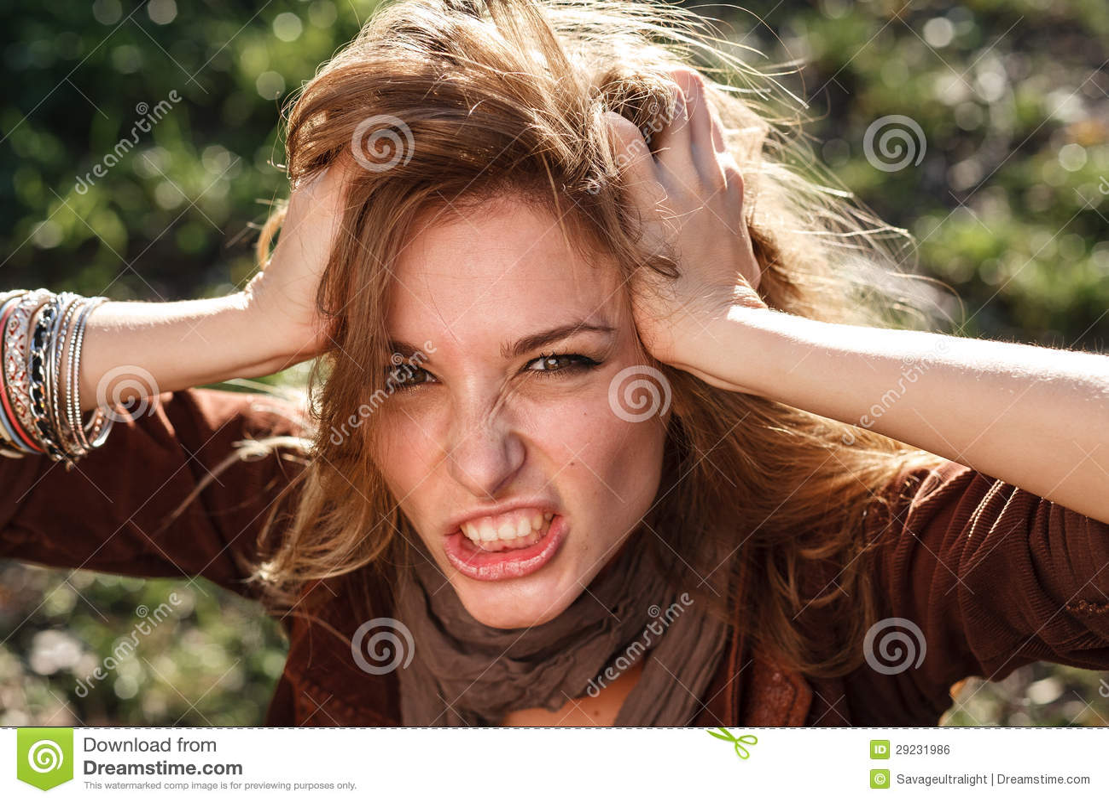 Femme dans la rage