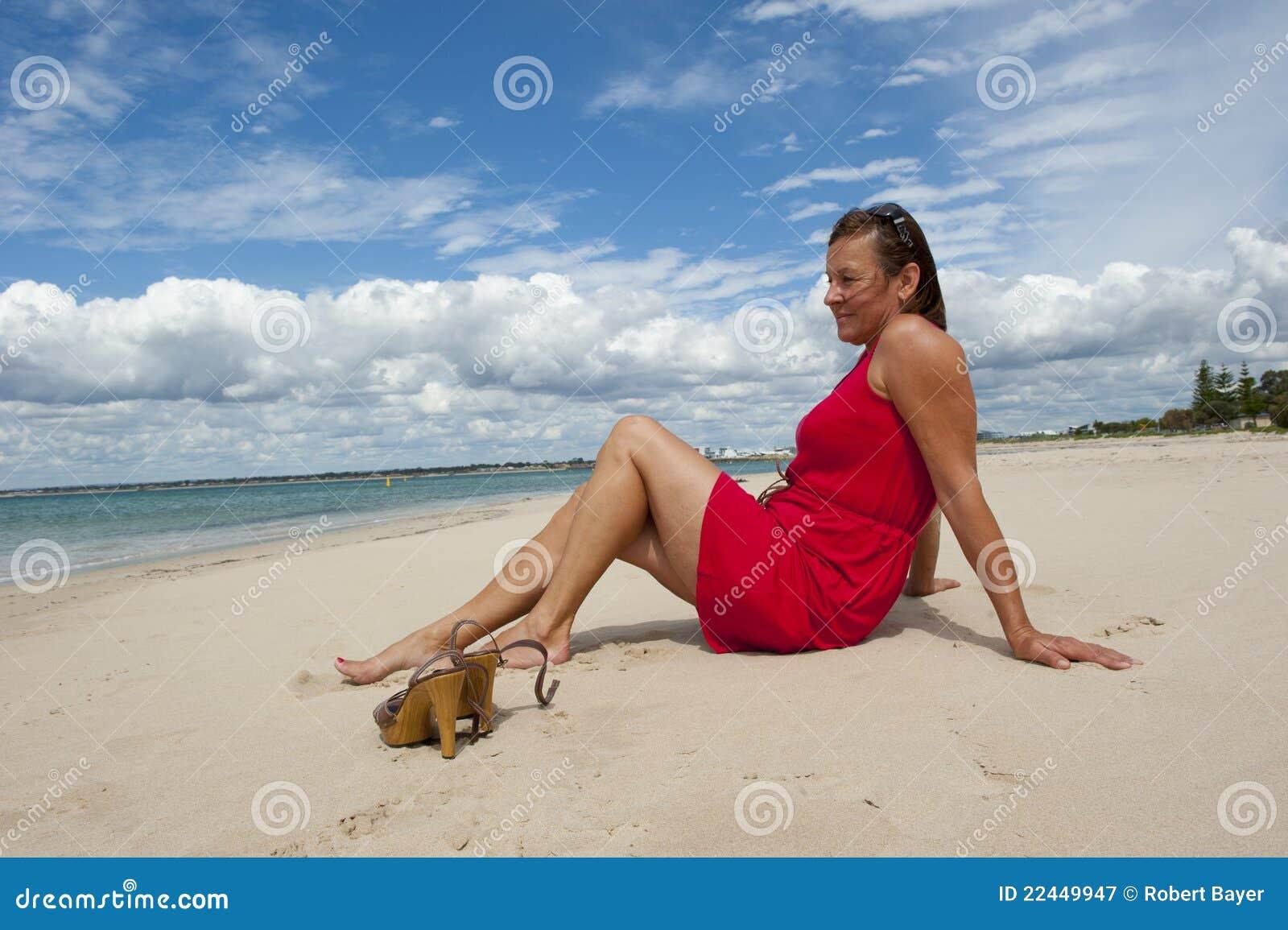 Robe de plage rouge
