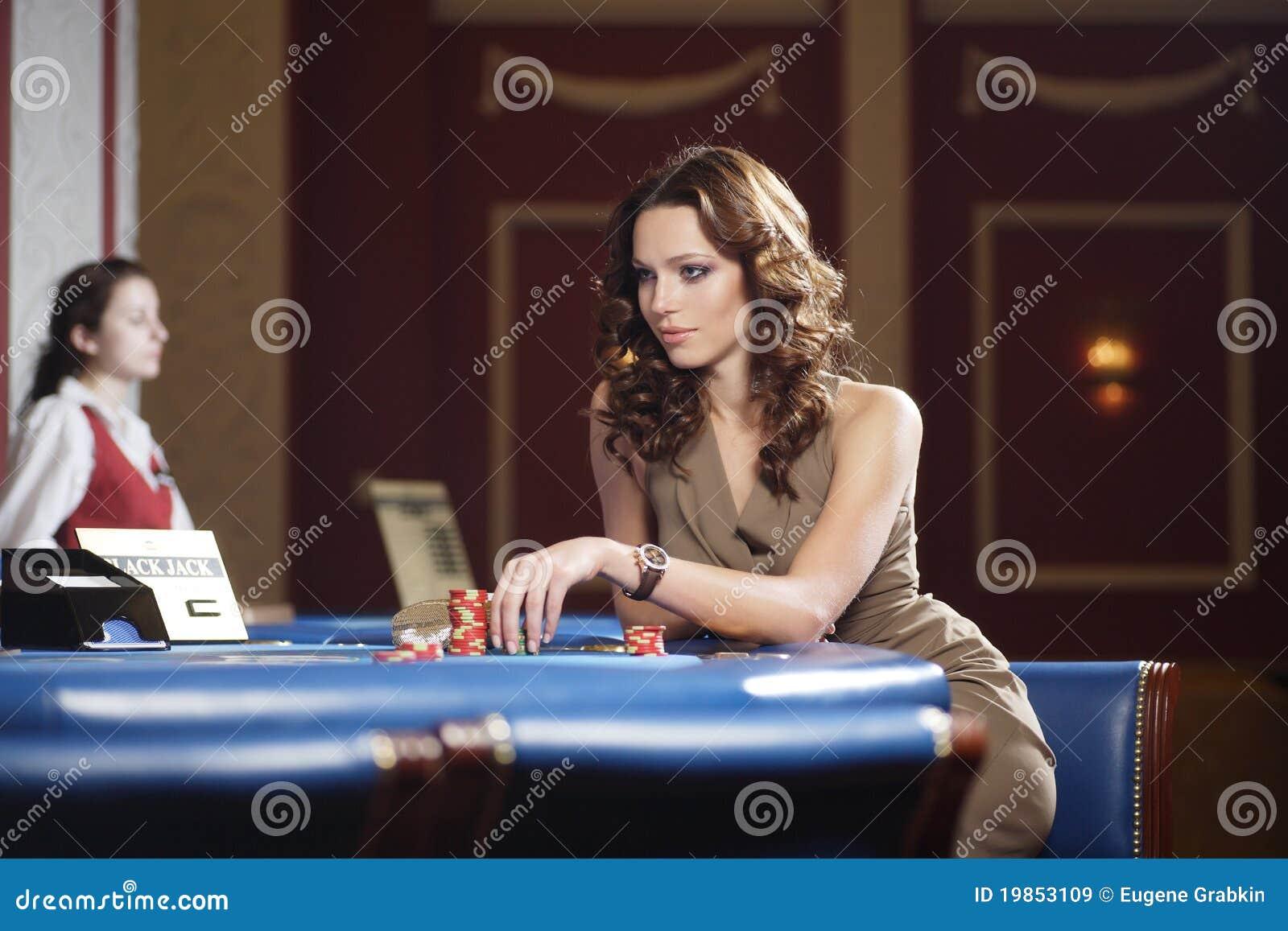 Femme dans le casino