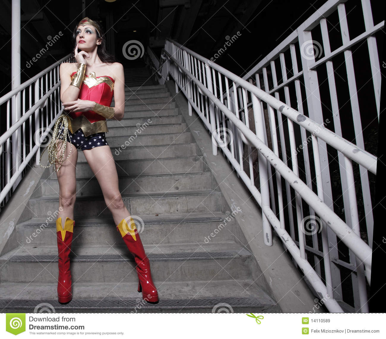 femme dans un costume de superhero image stock image du. Black Bedroom Furniture Sets. Home Design Ideas