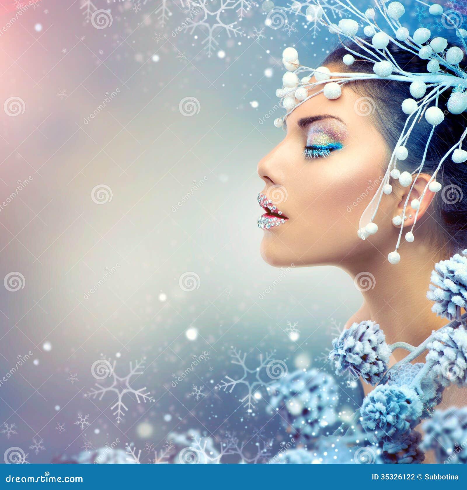 Femme de beauté d hiver