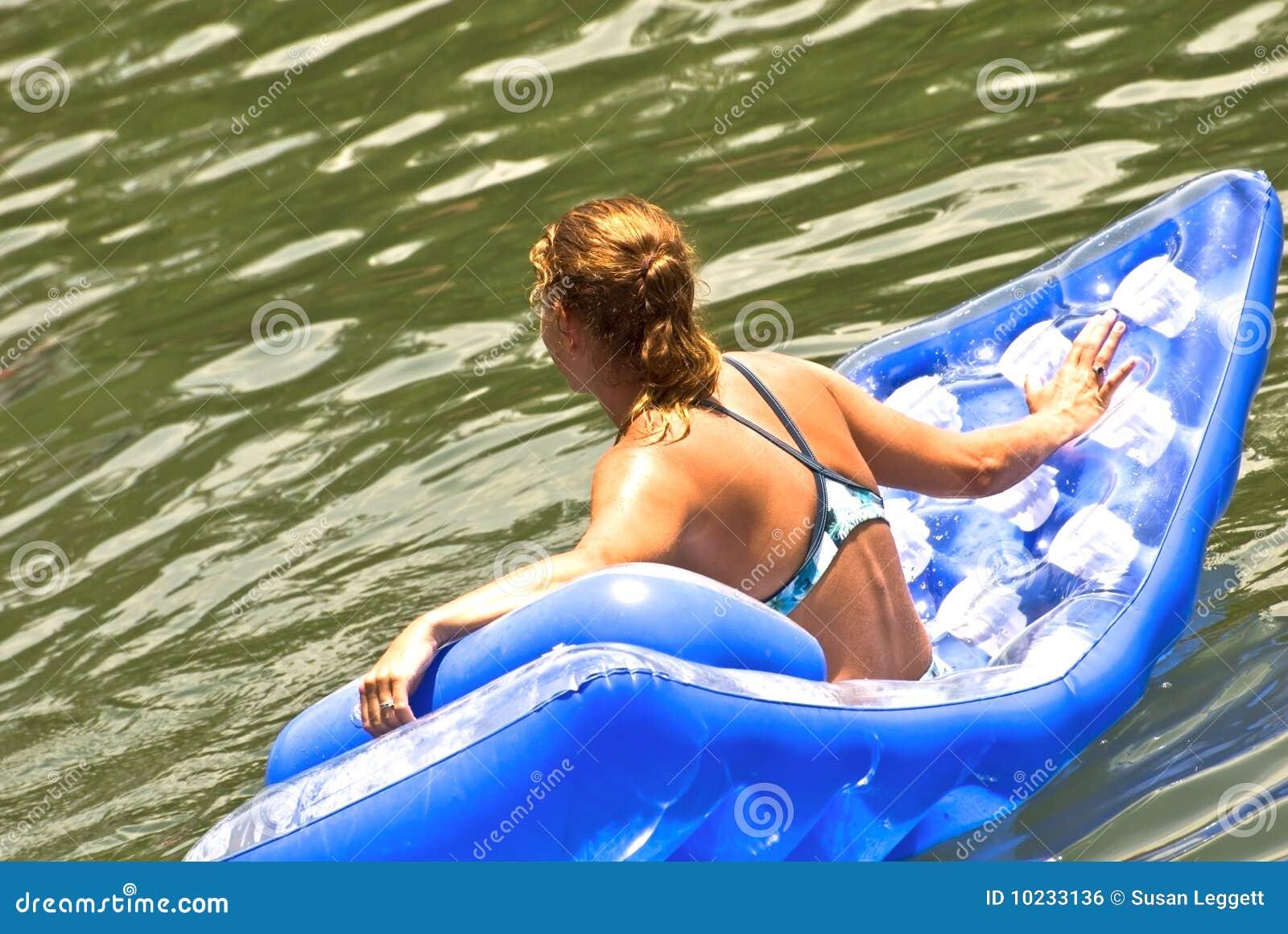 Femme de flotteur